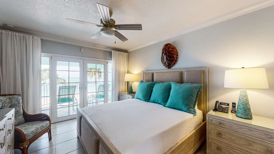 Master Bedroom - Coral Stone Club, Cayman